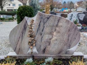 Doppelgrab_Cabernet_Efeu - Grabmal - Doppelgräber - Natursteine Schreiner - Allensbach
