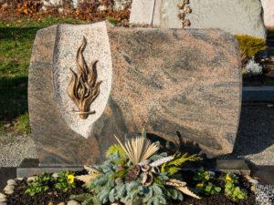 Doppelgrab_Nordland_Flamme - Grabmal - Doppelgräber - Natursteine Schreiner - Allensbach