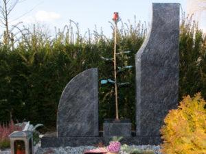 Doppelgrab_Orion_frei_Rose - Grabmal - Doppelgräber - Natursteine Schreiner - Allensbach