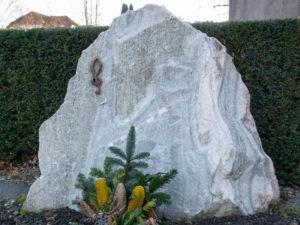 Doppelgrab_Sölker_Felsen - Grabmal - Doppelgräber - Natursteine Schreiner - Allensbach