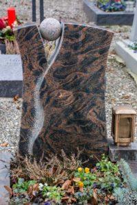 Urnengrab_Aruba_Kugel_gestockt - Grabmal - Einzel und Urnengräber - Natursteine Schreiner - Allensbach