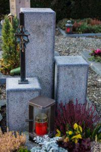 Urnengrab_Orion_Handwerklich - Grabmal - Einzel und Urnengräber - Natursteine Schreiner - Allensbach