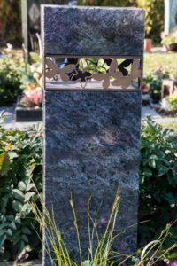 Urnengrab_Orion_Schmetterling - Grabmal - Einzel und Urnengräber - Natursteine Schreiner - Allensbach