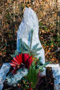 Urnengrab_Sölker-Marmor - Grabmal - Einzel und Urnengräber - Natursteine Schreiner - Allensbach